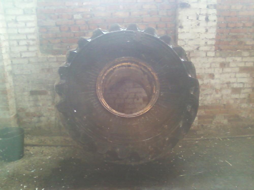 Шина на трактор К-701.