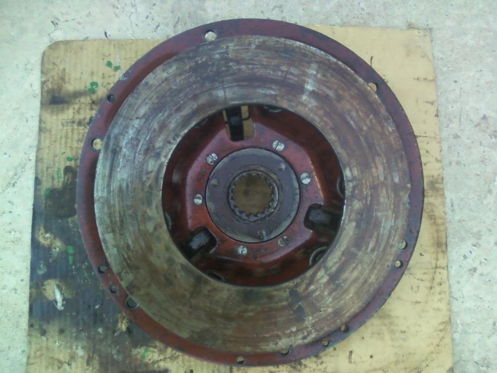 Корзина сцепления (старого образца) 70-1601090А трактора МТЗ